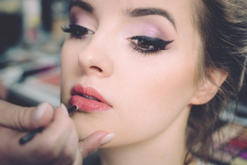 red-lipstick-wedding-makeup